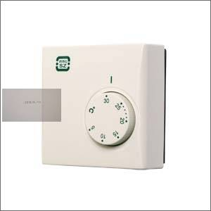 Szoba termosztát PT 111 6,-24 V törpe feszültségre