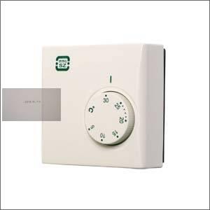 Szoba termosztát PT 105 alaptípus (ki-be kapcsoló)